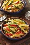Οργανική σαλάτα λαχανικών και φρούτων Στοκ Φωτογραφίες