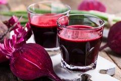 Οργανικός υγιής χυμός παντζαριών στοκ φωτογραφίες με δικαίωμα ελεύθερης χρήσης