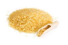 Οργανικό ρύζι στο άσπρο υπόβαθρο Στοκ Εικόνες