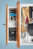 Οργανωμένα συρτάρια κουζινών Στοκ Εικόνες