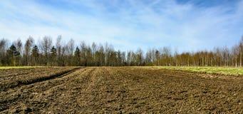 Οργωμένο γεωργικό καλλιεργήσιμο έδαφος Στοκ Εικόνες