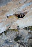 Ορειβάτης βράχου, επαγγελματικός αθλητής, που αναρριχείται στους βράχους Siurana, Ισπανία ακραίος αθλητισμός Στοκ φωτογραφία με δικαίωμα ελεύθερης χρήσης