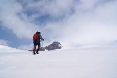 Ορειβάτης στην ανάβαση Στοκ Εικόνες