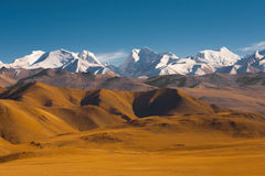 Ορεινά σύνορα Νεπάλ Θιβέτ των Ιμαλαίων εκτάσεων Στοκ Εικόνες