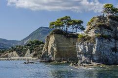 ορεινοί ακρωτήρια πέρα από την ιόνια θάλασσα στοκ εικόνα με δικαίωμα ελεύθερης χρήσης