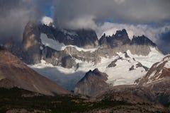 Ορεινός όγκος της Fitz Roy βράχων και παγετώνων στοκ εικόνες