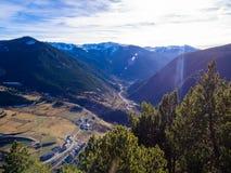 Ορεινό τοπίο στη Ανδόρα στην ηλιόλουστη ημέρα στοκ φωτογραφία με δικαίωμα ελεύθερης χρήσης