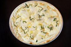 Ορεκτική πίτσα με τα θαλασσινά Στοκ φωτογραφία με δικαίωμα ελεύθερης χρήσης