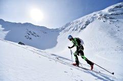 Ορεσίβιος σκι κατά τη διάρκεια του ανταγωνισμού στα βουνά Fagaras Στοκ Εικόνες