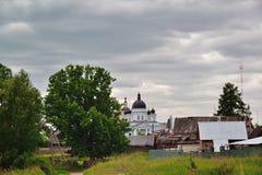 Ορθόδοξο, αγροτικό, χριστιανικό μοναστήρι Στοκ Φωτογραφίες