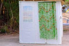 Ορθόδοξο εβραϊκό Sukkah κατά τη διάρκεια των διακοπών Sukkot στην Ιερουσαλήμ, Ισραήλ Εβραϊκό φεστιβάλ Sukkot Παραδοσιακή καλύβα s στοκ εικόνες με δικαίωμα ελεύθερης χρήσης
