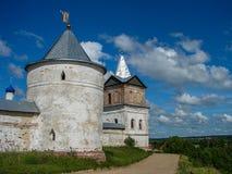Ορθόδοξο μοναστήρι στην περιοχή της Μόσχας της κεντρικής Ρωσίας στοκ εικόνα με δικαίωμα ελεύθερης χρήσης