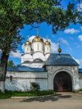 Ορθόδοξο μοναστήρι στην περιοχή της Μόσχας της κεντρικής Ρωσίας στοκ φωτογραφίες με δικαίωμα ελεύθερης χρήσης