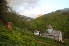 Ορθόδοξο χριστιανικό μοναστήρι του Michael αρχαγγέλων Αγίου στο χωριό Djurdjevica Tara στοκ φωτογραφία