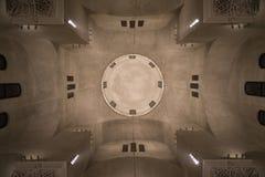 Ορθόδοξων Εκκλησιών εσωτερικός θόλων μινιμαλισμός γεωμετρίας άποψης τέλειος Στοκ Εικόνες