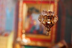 Ορθόδοξος λαμπτήρας εικονιδίων Πετρέλαιο εκκλησιών Ιδιότητες εκκλησιών Εκκλησία Lampstand Χριστιανισμός και πίστη Θρησκευτικός να Στοκ Φωτογραφίες