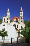 Ορθόδοξο παρεκκλησι και μια εκκλησία Στοκ Εικόνες