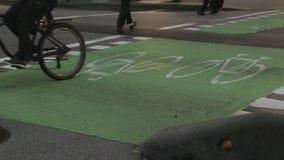 Οριζόμενη στο κέντρο της πόλης πάροδος ποδηλάτων 4K UHD φιλμ μικρού μήκους