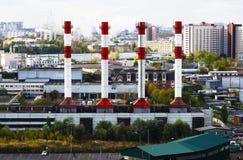 Οριζόντια ζωηρή βιομηχανική εικονική παράσταση πόλης της Μόσχας καπνοδόχων Στοκ Εικόνες