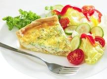 οριζόντια σαλάτα πίτα τυριώ Στοκ εικόνα με δικαίωμα ελεύθερης χρήσης