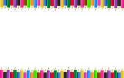 Οριζόντιο πλαίσιο αφισών με τα χρωματισμένα μολύβια στις άκρες στο υπόβαθρο r ελεύθερη απεικόνιση δικαιώματος