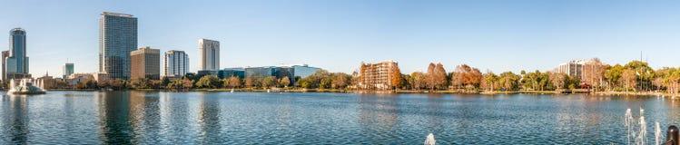 ΟΡΛΑΝΤΟ, ΛΦ - 17 ΦΕΒΡΟΥΑΡΊΟΥ 2016: Πανοραμική άποψη της λίμνης Eola και Στοκ εικόνες με δικαίωμα ελεύθερης χρήσης