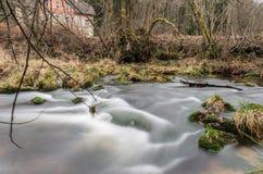 Ορμητικά σημεία ποταμού σε Jizera Στοκ Εικόνες