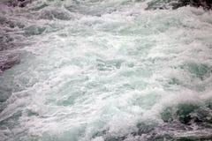 Ορμητικά σημεία ποταμού του ποταμού Paine Torres del Paine στο National πάρκο, περιοχή Magallanes, της νότιας Χιλής Στοκ φωτογραφία με δικαίωμα ελεύθερης χρήσης