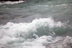 Ορμητικά σημεία ποταμού του ποταμού Paine Torres del Paine στο National πάρκο, περιοχή Magallanes, της νότιας Χιλής Στοκ εικόνες με δικαίωμα ελεύθερης χρήσης