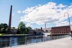 Ορμητικά σημεία ποταμού Tammerkoski και εγκαταστάσεις παραγωγής ενέργειας Στοκ εικόνες με δικαίωμα ελεύθερης χρήσης