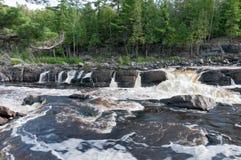 Ορμώντας νερά του ποταμού του Saint-Louis Στοκ Εικόνες