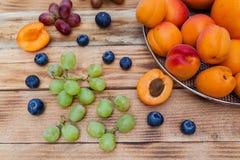 Οροπέδιο με τα φρούτα Στοκ Εικόνες