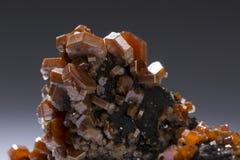 Ορυκτά μεταλλεύματα γεωλογίας βράχου δειγμάτων πετρών Vanadinite Στοκ φωτογραφία με δικαίωμα ελεύθερης χρήσης