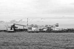 Ορυκτή μεταφόρτωση στο λιμένα Στοκ Φωτογραφία