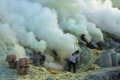 Ορυχεία Kawah Ijen θείου στην ανατολική Ιάβα, Ινδονησία στοκ φωτογραφίες