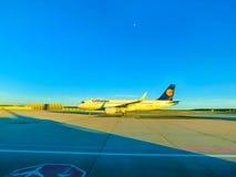 Ορυχείο της Φρανκφούρτης AM, Γερμανία - 15 Ιουνίου 2016: Τα αεροσκάφη αερογραμμών της Lufthansa Στοκ εικόνα με δικαίωμα ελεύθερης χρήσης