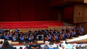 Ορχήστρα νεολαίας που εκτελεί το υπαίθριο περίπτερο Σικάγο Ιλλινόις απόθεμα βίντεο