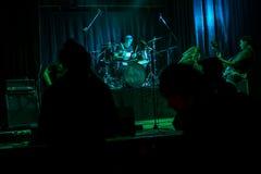 Ορχήστρα ροκ συναυλίας στοκ φωτογραφίες