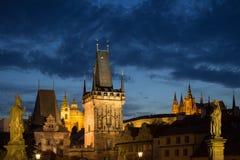 Ορόσημα στην Πράγα στο σούρουπο Στοκ φωτογραφία με δικαίωμα ελεύθερης χρήσης