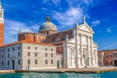 Ορόσημο της Βενετίας, άποψη από τη θάλασσα της πλατείας SAN Marco ή του τετραγώνου σημαδιών του ST, καμπαναριό και Ducale ή Doge  Στοκ εικόνα με δικαίωμα ελεύθερης χρήσης