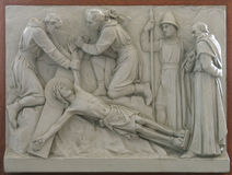 11ος σταθμός του σταυρού - σταύρωση: Ο Ιησούς καρφώνεται στο σταυρό Στοκ φωτογραφία με δικαίωμα ελεύθερης χρήσης