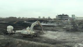 ΟΣΤΡΑΒΑ, ΔΗΜΟΚΡΑΤΊΑ ΤΗΣ ΤΣΕΧΊΑΣ, ΣΤΙΣ 28 ΝΟΕΜΒΡΊΟΥ 2018: Εκκαθάριση της επανόρθωσης των αποβλήτων υλικών οδόστρωσης του πετρελαίο φιλμ μικρού μήκους