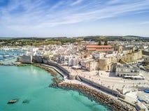 Οτράντο με το κάστρο Aragonese, Apulia, Ιταλία Στοκ Φωτογραφίες