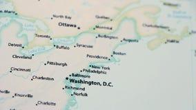 Ουάσιγκτον και Νέα Υόρκη σε έναν χάρτη με Defocus απόθεμα βίντεο
