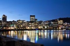 Ουέλλινγκτον CBD στο σούρουπο Στοκ Εικόνες