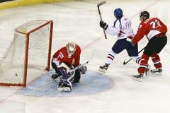 Ουγγαρία εναντίον της αντιστοιχίας χόκεϋ πάγου παγκόσμιου πρωταθλήματος της Κορέας IIHF Στοκ φωτογραφία με δικαίωμα ελεύθερης χρήσης