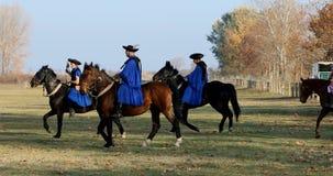 Ουγγρικά csikos στο παραδοσιακό λαϊκό κοστούμι απόθεμα βίντεο
