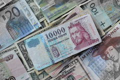 Ουγγρικό Forint εναντίον άλλων νομισμάτων Στοκ φωτογραφία με δικαίωμα ελεύθερης χρήσης