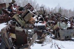 Ουκρανία Ζώνη αποκλεισμού του Τσέρνομπιλ - 2016 03 20 εγκαταλειμμένα ραδιενεργά οχήματα Στοκ εικόνες με δικαίωμα ελεύθερης χρήσης