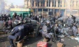 Ουκρανία, Κίεβο Διαμαρτυρίες οδών στο Κίεβο στο Maidan, κουρασμένη αστυνομία στοκ φωτογραφία με δικαίωμα ελεύθερης χρήσης